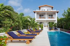 Check out this awesome listing on Airbnb: Weezie's Ocean Front Standard Room - Apartments for Rent in Caye Caulker - Get $25 credit with Airbnb if you sign up with this link http://www.airbnb.com/c/groberts22
