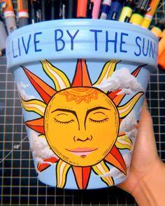 Flower Pot Art, Flower Pot Crafts, Clay Pot Crafts, Rock Crafts, Diy Arts And Crafts, Clay Art Projects, Painted Plant Pots, Painted Flower Pots, Decorated Flower Pots
