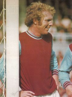 Circa West Ham United and England captain Bobby Moore having a joke, at Upton Park. Pure Football, Football Team, Jimmy Greaves, West Ham United Fc, Bobby Moore, White Horses, Fa Cup, Premier League, That Way