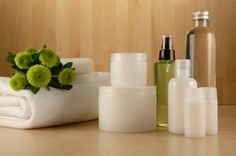 Want a beautiful and glowing skin. This is every one's dream. So why not make it a reality? Read 20 best products for oily skin and have an oil free skin. Sensitive Skin Care, Oily Skin Care, Skin Care Regimen, Anti Aging Skin Care, Skin Care Tips, Organic Skin Care, Natural Skin Care, Organic Beauty, Natural Health