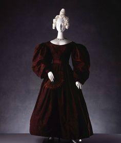ca. 1830, Tageskleid aus Seidentaft, England