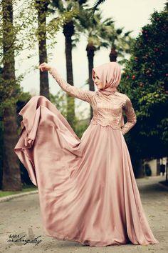Pinned via Nuriyah O. Martinez | Islamic Dresses With Bridal Hijab Styles