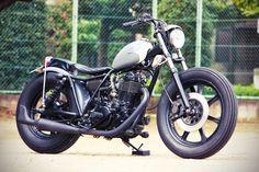:: free the wheels ::: sr400 bobber