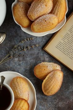 Régóta kíváncsi voltam erre a süteményre. Olyan sokszor találkoztam már vele -elméletben és képeken-, hogy elhatároztam egyszer ... Ketogenic Recipes, Diet Recipes, Vegan Recipes, Keto Results, Cake Photography, Keto Dinner, Pretzel Bites, Macarons, Biscuits