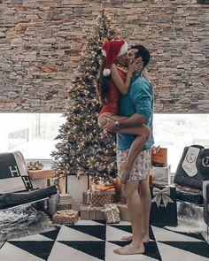Cute Couple Pictures, Love Couple, Couple Goals, Couple Pics, Christmas Couple, Cozy Christmas, Couple Christmas Pictures, Xmas, Romantic Couples