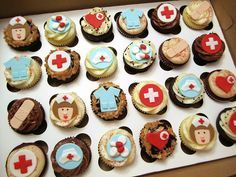 Nurse Cupcakes | Baked goods make a great gift of appreciation for nurses!