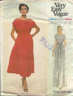 fa69e921eb66 Vintage Sewing Pattern - 1970s Women s Maternity Dress Vogue Medium Semi  Formal Wedding