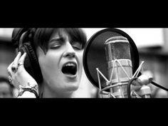 Florence + The Machine - Breath Of Life    Because I FUCKING LOVE FLORENCE