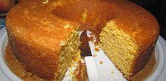 Receita bem simples para quem não domina muito na cozinha, o passo a passo desse bolo fácil é bem prático e o sabor é maravilhoso. Bolo de Fubá Simples.