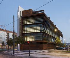 Office Building in Vitoria / LH14 Arquitectos