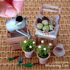 This scale miniature crate with four pots of herbs is the perfect addition to your dollhouse garden or fairy garden display. Miniature Plants, Miniature Fairy Gardens, Miniature Houses, Miniature Food, Miniature Dolls, Miniature Furniture, Doll Furniture, Mini Plants, Cactus Plants