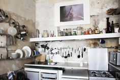 Freunde von Freunden — Gunnar Rönsch & Stephen Molloy — Architects & Product Designers, Apartment & Studio, Mitte, Berlin  — http://www.freundevonfreunden.com/de/interviews/gunnar-ronsch-stephen-molloy/