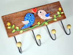 Solid wood coat rack with mosaic made of glass tablets and Japanese ceramic heart. Comes with four iron hooks with balls Mosaic Animals, Mosaic Birds, Mosaic Pots, Mosaic Diy, Mosaic Crafts, Mosaic Projects, Mosaic Wall, Mosaic Glass, Wood Projects