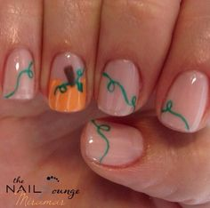 Halloween nails : clear with pumpkin