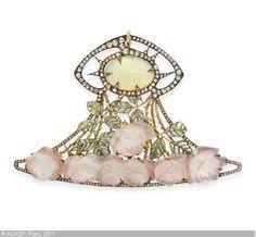 ART NOUVEAU OPAL, DIAMOND, ENAMEL AND GLASS 'ROSE' PENDANT Lalique