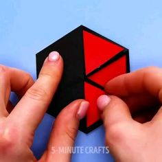 Super cute fun card crafts to make for the people you love this Cool Paper Crafts, Paper Crafts Origami, Diy Crafts For Gifts, Diy Home Crafts, Card Crafts, Fun Crafts, 5 Minute Crafts Videos, Craft Videos, Instruções Origami