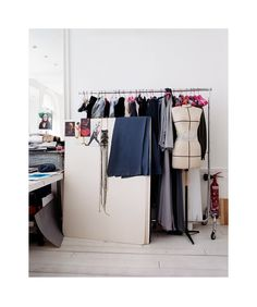 Studio Emanuel Ungaro, Paris Office Setup, Office Workspace, Design Room, Studio Design, Fashion Jobs, Construction Process, Sewing Studio, Fashion Studio, Wardrobe Rack