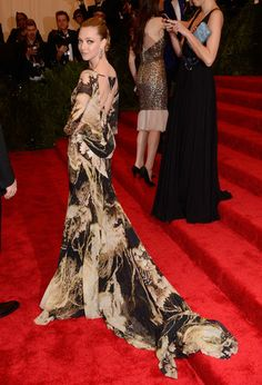 Amanda Seyfried showed off a seductive back in her Givenchy gown. #MetGala