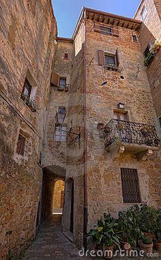 Narrow streets of Pienza, Tuscany, Italy
