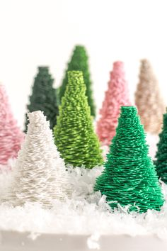 DIY Paper Bottle Brush Trees - so easy to make, you can choose colors and sizes!