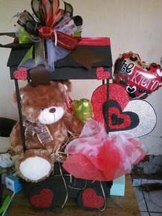 Uhh Valentine Gift Baskets, Valentines Gifts For Boyfriend, Valentines For Kids, Valentine Day Crafts, Valentine Decorations, Balloon Decorations, Happy Valentines Day, Diy Bouquet, Candy Bouquet