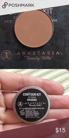 Anastasia Beverly Hills Contour Anastasia Beverly Hills powder contour in the shade Havana. This contour shade is brand-new in from the light to medium contour kit by ABH! Anastasia Beverly Hills Makeup Bronzer