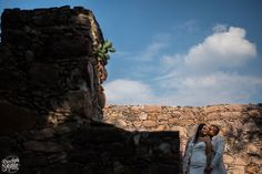 #bride #gettyngready #weddingphotography #weddingday #brideportrait #lovesession #love #wedding #fotodebodas #nupcias #novias #bodasmexico #bodadedia #vestidodenovia #picoftheday #groom #mexico #bodasmexico #fotografadebodas #guanajuatobodas #sanmigueldeallende