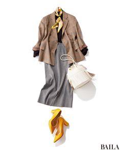 この春、通勤にジャケットを着るならば、旬なベージュのチェックを! 優し気なベージュで堅くなりすぎず、好感度の高いスタイルが作れます。黒ニット×グレータイトスカートの定番モノトーンスタイルも、ベージュのチェックジャケットがあればこんなにこなれたムードに。春らしさをさらに足したいなら・・・ Chic Outfits, Fall Outfits, Fashion Outfits, Womens Fashion, Work Fashion, Skirt Fashion, Fashion Looks, Minimal Wardrobe, Work Wardrobe