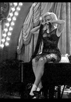 Marilyn Monroe, Great Comedies, Star Images, Some Like It Hot, Hilario, Comedy Films, Norma Jeane, Vintage Hollywood, American Actress