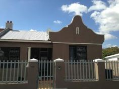 3 Bedroom House for sale in Wynberg - Cape Town