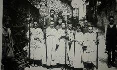 Τσαριτσάνη 1955 κατά την επιστροφή της Παναγίας της Ολυμπιώτισσας που τότε έφευγε την Κυριακή του Θωμά . Δρόμος Παναγιάς.