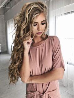 Chica con el cabello largo