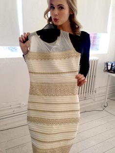 Robe blanche or ou bleue et noire
