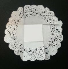 Birthday Decoration Six Shabby Chic Parasol Cupcake Toppers Mother's Day Decoration for Birthday Party or Birthday Decoration Paper Doily Crafts, Doilies Crafts, Paper Doilies, Diy Home Crafts, Crafts To Make, Fun Crafts, Easter Treats, Birthday Decorations, Paper Flowers