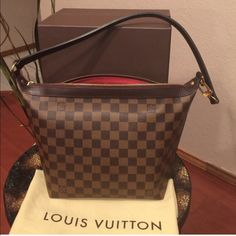 Authentic LV illovo MM In amazing condition!' Louis Vuitton Bags