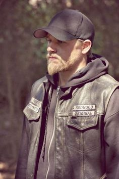 The Van Dyke is a time traveled style back in fashion especially when coupled with the certain variations. Have a look! Van Dyke Beard, Sons Of Anarchy Samcro, Sons Of Anarchy Motorcycles, Charlie Hunnam Soa, Jax Teller, Beard Styles, Bearded Men, Sexy Men, How To Look Better
