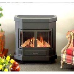 Dit is een #retro kachel om te zien, om te voelen qua warmte en in uw portemonnee is het zeker geen oude kachel. Het rendement is 86%! #Gaskachel #Gashaard #Kampen #Interieur #Fireplace #Fireplaces