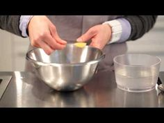 La sphérification inverse - Cuisine moléculaire - YouTube Cooking, Tableware, Kitchen, Food Design, Recipes, Dinnerware, Tablewares, Kitchens, Dishes