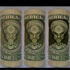 Secret ALIEN symbol hidden on US dollar bill 'is sign of Illuminati conspiracy' Ancient Aliens, Aliens And Ufos, Bizarre, Wtf Fun Facts, Conspiracy Theories, Stargate, Occult, Mind Blown, Funny Memes