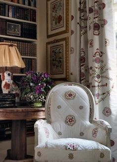 Kit Kemp ~ fabric at Chelsea Textiles - Bergere Chair in Suzani Stripe fabirc, Curtains in Suzani Large fabric, Staffordshire dog lamp. Chelsea Textiles, English Country Decor, Shabby, Painted Chairs, Take A Seat, Beautiful Interiors, Decoration, Upholstery, Bergere Chair
