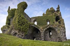 Ballycarbery Castle (Iveragh Peninsula, County Kerry, Ireland).
