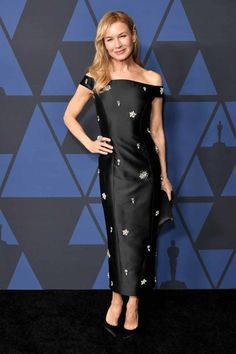 Renee Zellweger in Erdem at the 2019 Governors Awards in LA on October Celebrity Red Carpet, Celebrity Style, Star Fashion, Fashion Photo, Best Actress Oscar, Oscar Gowns, Renee Zellweger, Got The Look, Aesthetic Fashion