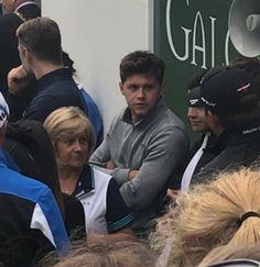 """Niall and Maura at the NI Open (x) "" Irish Boys, Irish Men, Niall Horan 2017, Irish Leprechaun, Naill Horan, One Direction Videos, King Of My Heart, Lyric Art, James Horan"