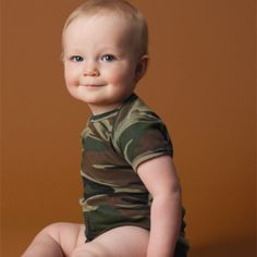 Code V Infant Camouflage Lap Shoulder Creeper Camouflage Baby, Camo Baby Stuff, Military Fashion, Military Style, Creepers, Custom Items, The Ordinary, Little Ones, Cute Babies