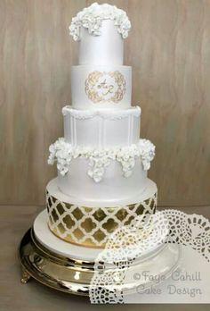 . Amazing Wedding Cakes, Elegant Wedding Cakes, Elegant Cakes, Amazing Cakes, Anniversary Cupcakes, Golden Anniversary, Halloween Wedding Cakes, 4 Tier Wedding Cake, Fab Cakes