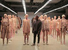 Kim, Kourtney et Khloé étaient au premier rang du défilé de Kanye West à New York ! | E! Online