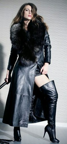 Everyone loves girls in stockings and underwear. Our girls in stockings are look. Everyone loves girls in stocking. Pvc Fashion, Dark Fashion, Leather Fashion, Gothic Fashion, Street Fashion, Thigh High Boots, High Heel Boots, Heeled Boots, Long Leather Coat