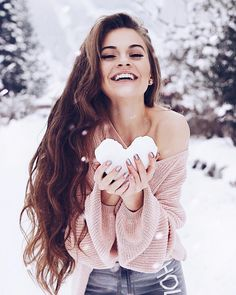 Just hosted our Winter photoshoot with Will be posting l.Just hosted our Winter photoshoot with Will be posting later. Special thanks to Trendy photography ideas winter snow best friends ⠀⠀⠀⠀⠀⠀⠀⠀🌹Lisa-Marie Snow Photography, Creative Photography, Photography Poses, Fashion Photography, Winter Senior Pictures, Winter Pictures, Modeling Fotografie, Winter Instagram, Shooting Photo