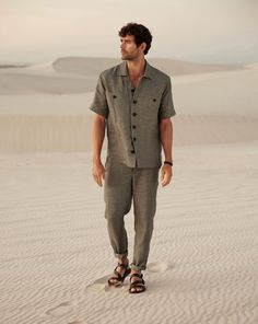 A great look with the linen shirt: relaxed menswear trousers with tapered legs, a buttoning placket and slant pockets. Mens Linen Outfits, Mens Linen Shirts, Mens Linen Clothing, Men's Shirts, Male Fashion Trends, Business Shirts, Bowling Shirts, Linen Trousers, Shirt Style