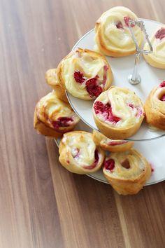 Himbeer-Pudding-Schnecken. Rezept auf kathastrophal.de